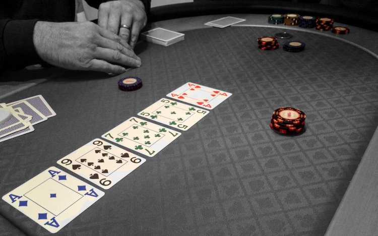 What is the highest poker hand with wildcards